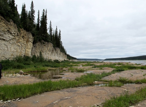 From Portage Chute to Bad Cache Rapids, the entire riverbed is an unconformity.